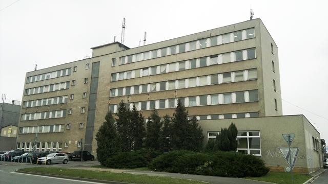 Foto budovy úřadu před rekonstrukcí