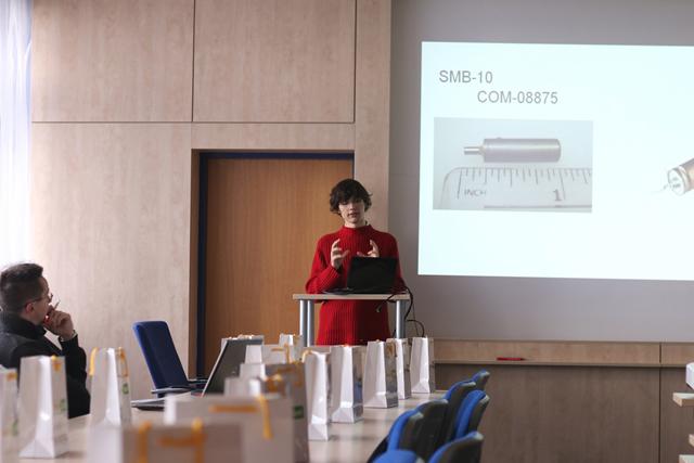 Prezentace experimentů středoškoláků